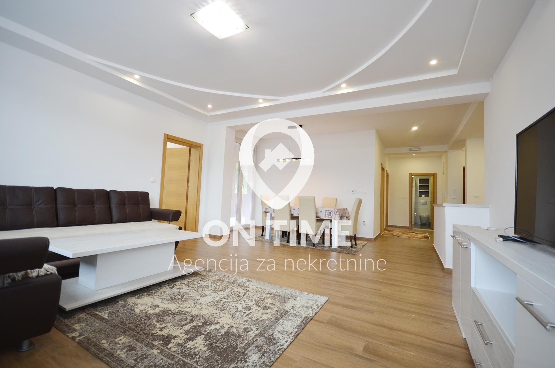 Četverosoban namješten stan, Kobilja Glava, 100 m2 plus terasa