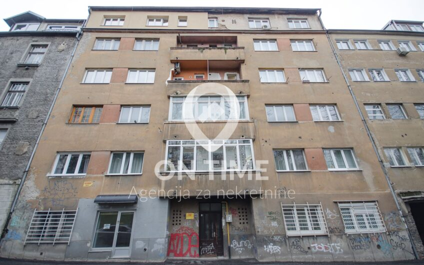 Dvosoban stan, Centar, Marijin Dvor, 57 m2